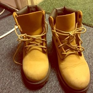 Shoes - Size 3.5 youth timberlands